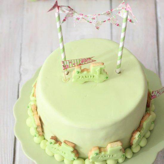 Butter Cream Wildberry Cake