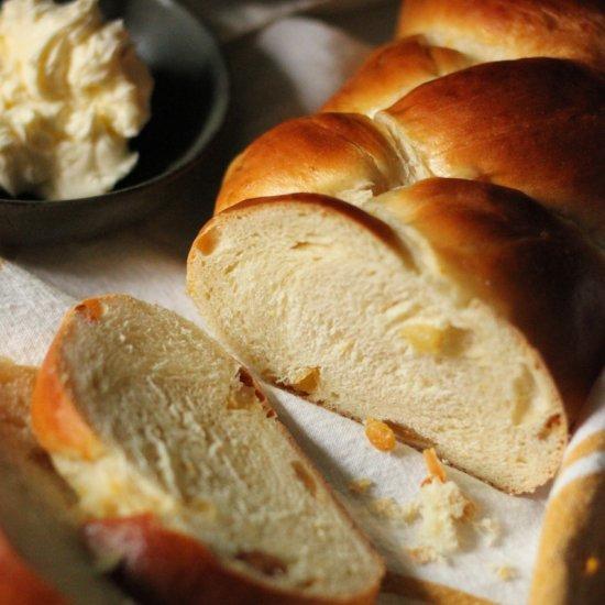 Italian Easter Bread Egg Raisin