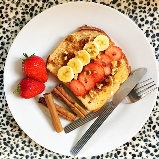 Eggy Bread With Cinnamon And Fruit